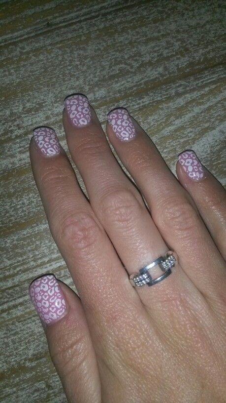 Roze met witte panterprint