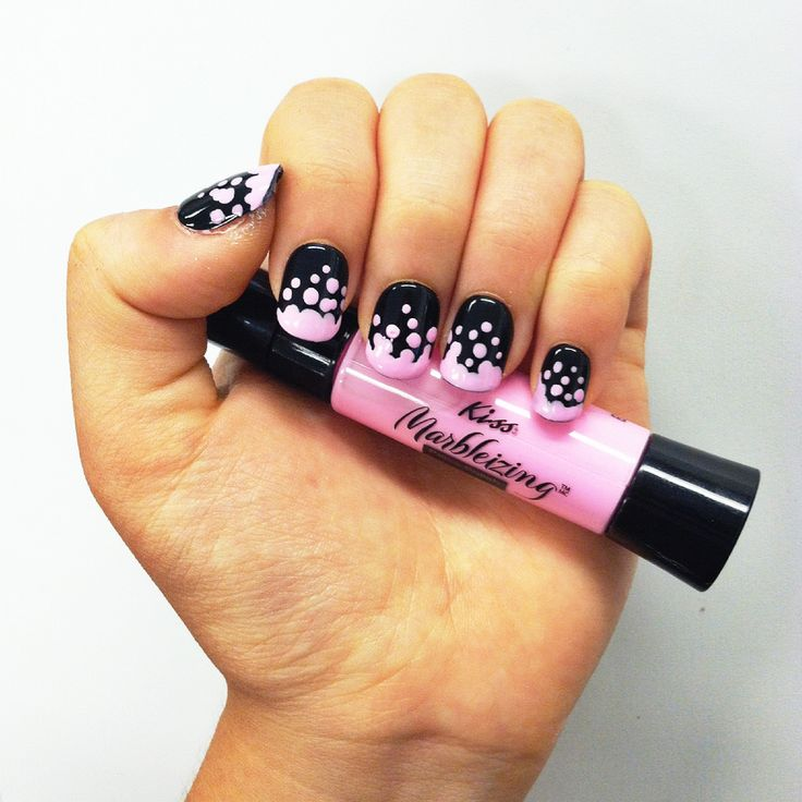 Create this dotted look with the Pink Marbelizing Pen from Kiss!