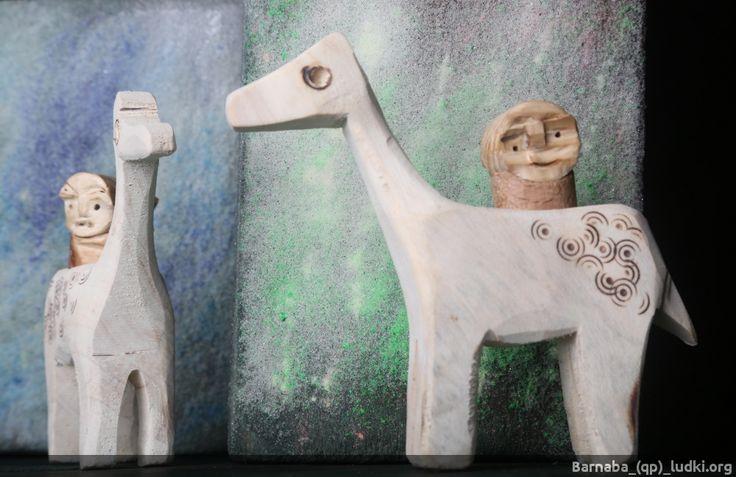 Białe konie | Dziwne ludki z drewna _(qp)_fotografie i animacje