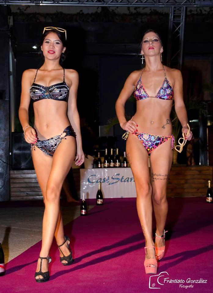 Gafas se sol Soniapew de madera de bambú, ecológicas y ligeras, con lentes polarizados-espejados, personalizadas en exclusiva para el evento Almeria Fashion Week 2015, candidat@s Miss &Mister Expresion (pasarela bikini)