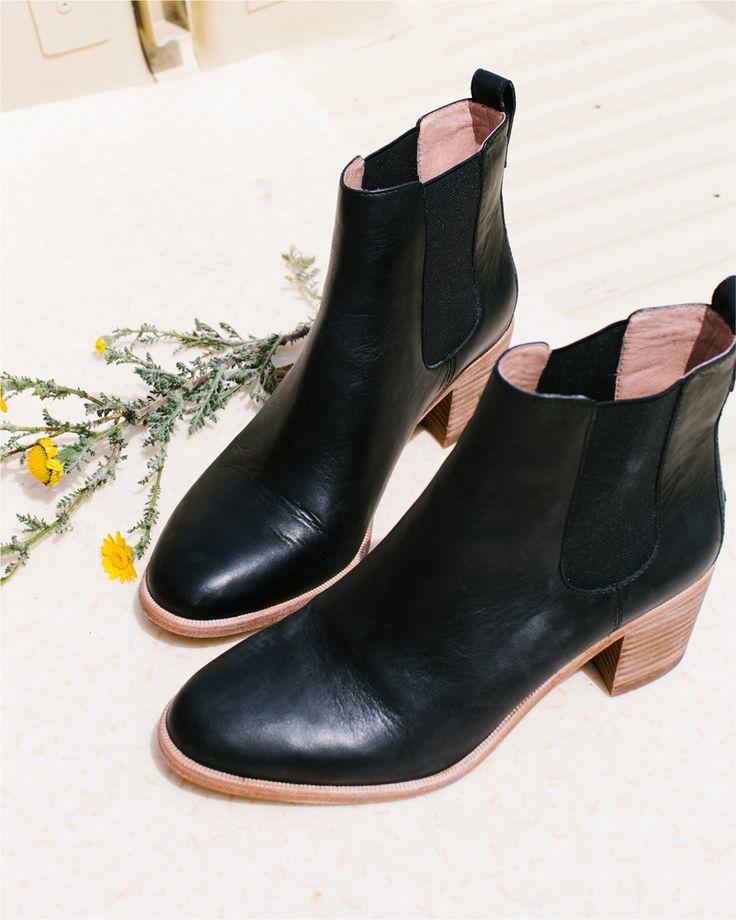 Madewell Frankie Chelsea Boot in true black. #wellheeled