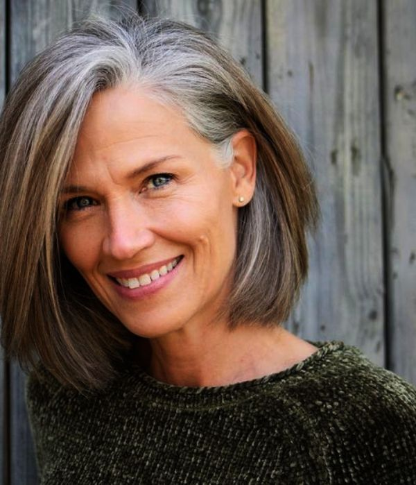Pin By Lourdes Alonso On Short Hairstyles Transition To Gray Hair Hair Styles Grey Hair Old