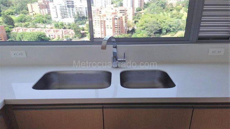 Apartamento en Venta y arriendo en El poblado alto, Medellín, 3 habitaciones, 3 baños, 2 garajes