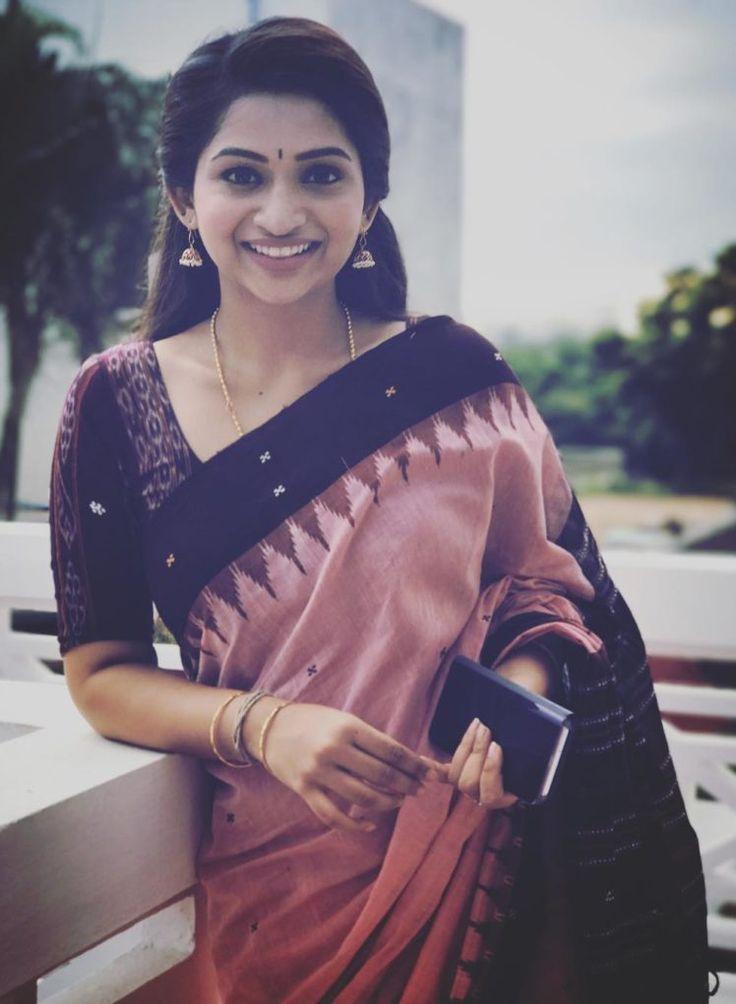 Handloom inspiration from tamil tv anchor Nakshatra Nagesh www.yarnstyles.com