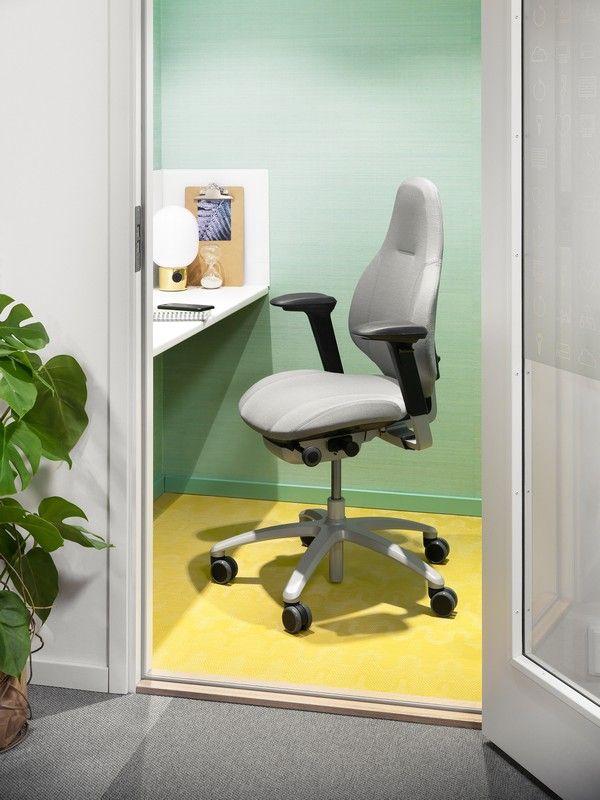 RH Mereo - Designed for human performance #InspireGreatWork #design #Scandinavian #ergonomics #office #chair