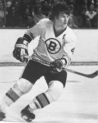 Robert Gordon, es un jugador de hockey sobre hielo nacido el 20 de marzo de 1948. . Su trayectoria transcurrió en los Bruins de Boston, con excepción de los dos últimos años de su carrera que limitó en los Black Hawks de Chicago. Su posición era defensa, aunque destacó por la facilidad de regatear, con un increíble manejo del stick con su izquierda . Entre sus trofeos deportivos destaca la Stanley Cup, que ganó en dos ocasiones y el premio MVP que se le concedió en ambas finales.