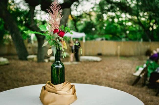 Стеклянные и пластиковые пивные бутылки на даче: что можно сделать своими руками, поделки, как использовать в саду, применение, фото, видео