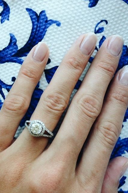 9 Real Proposals, As Told By Instagram #refinery29  http://www.refinery29.com/engagement-ring-selfies#slide2