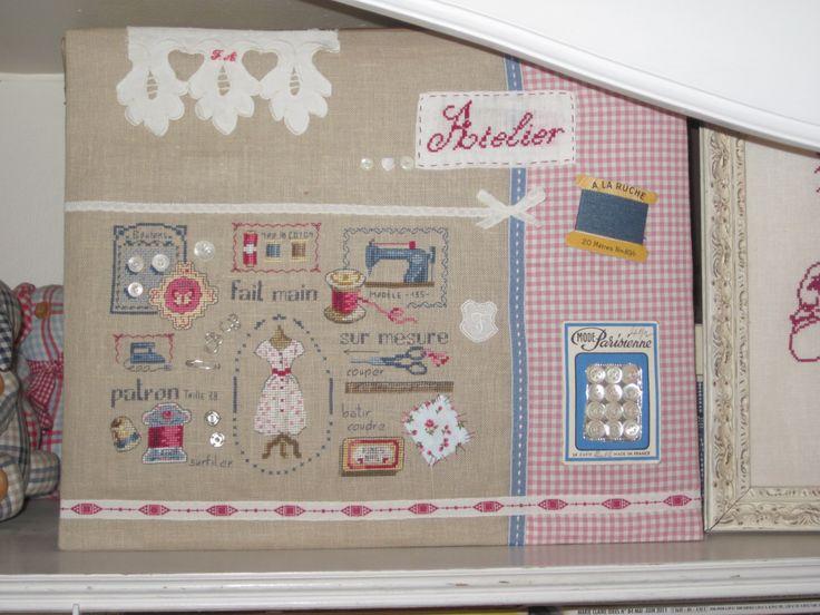 Blog : Souvenirs Brodés !  Fin et raffiné, superbe !!! A visiter ! http://souvenirsbrodes.canalblog.com/archives/2013/08/07/27802708.html