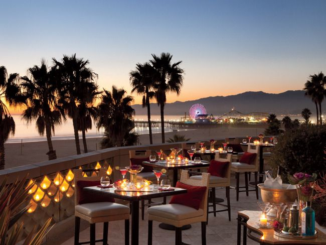 #Foodie:15 Best Boardwalk #Restaurants in and around #LosAngeles.There is nothing more memorable than a restaurant right at the edge of the ocean to complete the ambiance of a summer day. These are the restaurants that people keep returning to, tourists and locals alike.