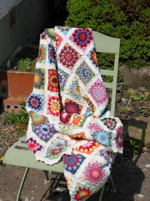 myBearpaw: Granny Circle Blanket with pattern