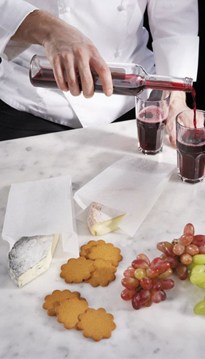 STORING & PACKING. SAGA Deli Bags are taste and aroma neutral and keep the delicate flavours of cheese in tact for days.