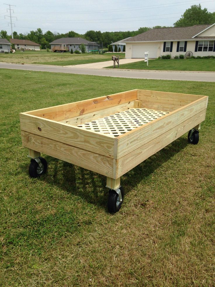 Raised Garden Bed On Wheels Home Vegetable Garden Garden Beds Building A Raised Garden