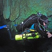 Technical Cave Diving Configuration and Trim Modelo: Margarita Loaiza P.