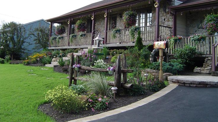 R alisation c t jardin en fa ade plani paysage pierres for Amenagement jardin facade maison