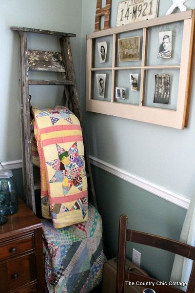 Vintage Ladder Quilt Hanger ~ * THE COUNTRY CHIC COTTAGE (DIY, Home Decor, Crafts, Farmhouse): Diy Home Decor, Vintage Ladders, Decor Crafts, Old Windows, Quilt Hangers, Ladders Quilt, Country Chic Cottage, Cottages Diy, Chic Cottages