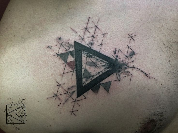 Anomaly tatouages nikos anomaly tattoo graphique pattern nikos triangle art i love - Signification triangle tatouage ...