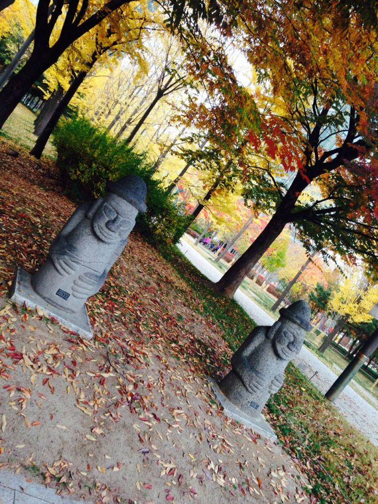 Jeju statues