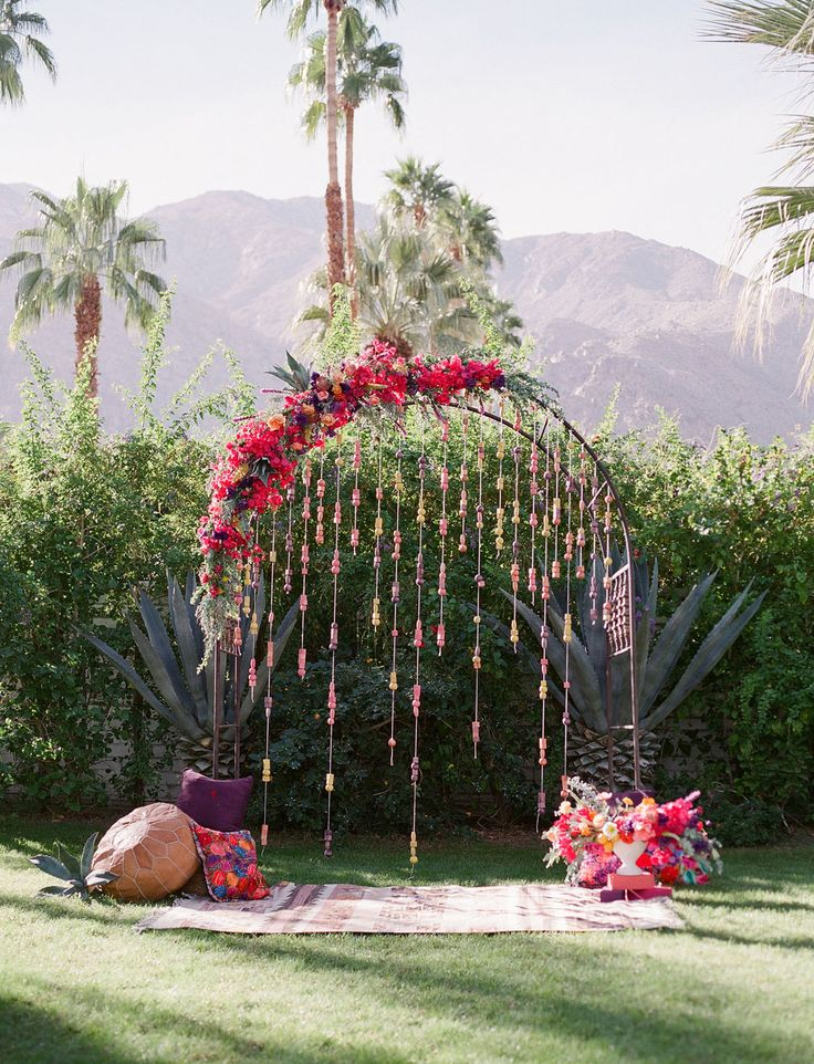 Our Favorite Wedding Decor + Details from 2017 - beaded boho backdrop     #weddingdetails #weddingideas #weddingdecor