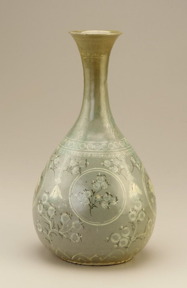 Pear-shaped bottle, late 13th-early 14th century  - Korean, Goryeo period   - Stoneware with black and white inlays under celadon glaze, H: 35.6 W: 19.8 cm -  Buan or Gangjin, Korea| F1907.76