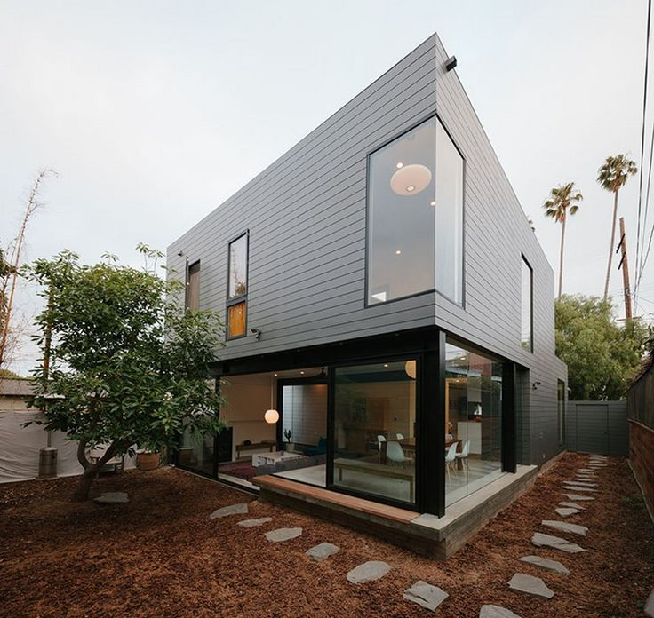 Upgraded Beach Bungalow Wrapped in Zinc Cladding: Bay Street Residence in Santa Monica, California
