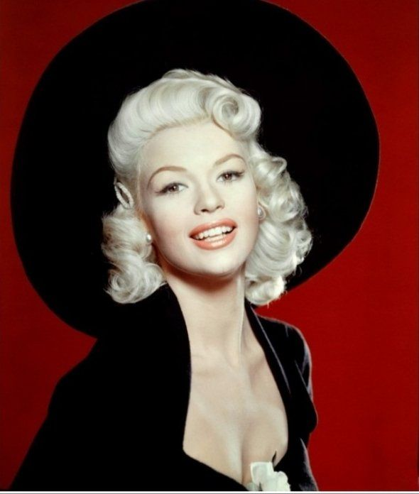 Jane Mansfield - Mariska Hargitay's mom and a gorgeous celebrity & sex symbol until her death in 1967.