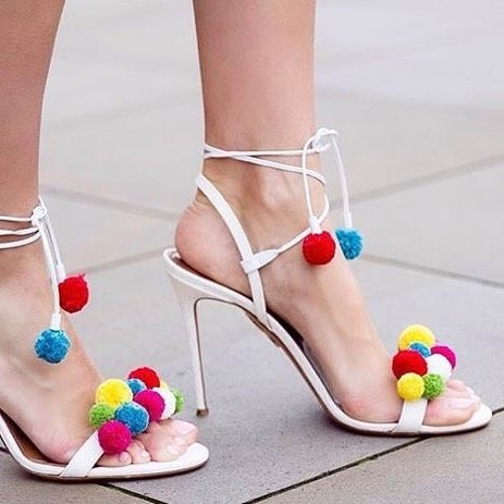 This shoes are just amazing!!! Via @womensfashionreview  #shoeporn #styleblogger #shoes #heels #fashionaddict #shopping #summershoe #women