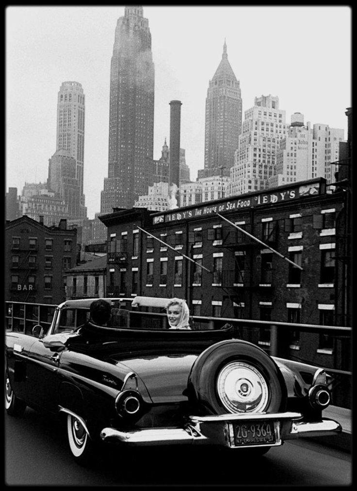 Image - 1957 / Marilyn et Arthur en voiture à New York rentrant de ballade sous l'objectif de Sam SHAW. - Marilyn-MONROE rare & candid - Skyrock.com