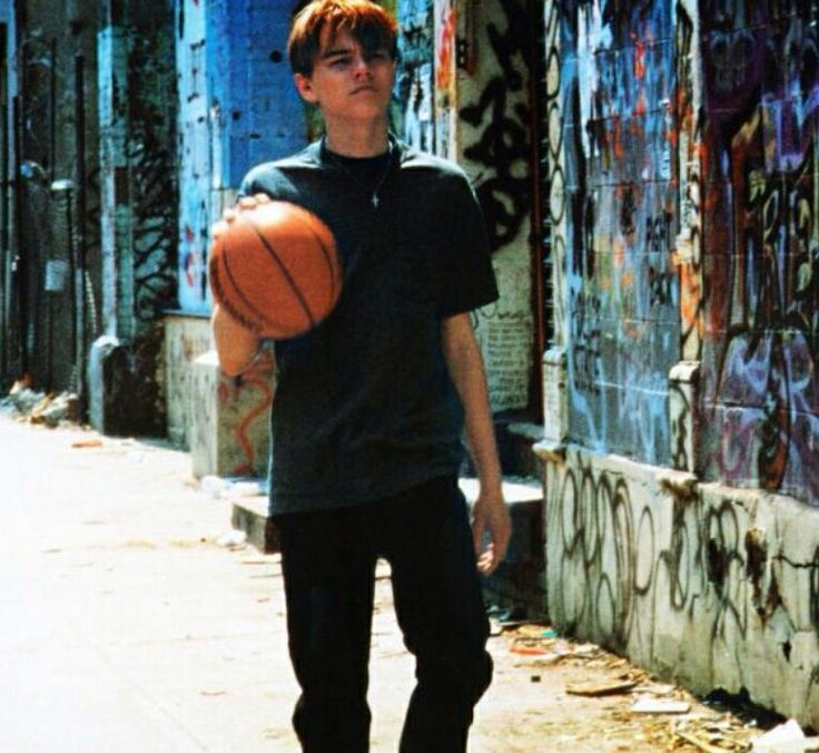 the basketball diaries The basketball diaries is a 1978 memoir written by author and musician jim  carroll it is an edited collection of the diaries he kept between the ages of twelve .