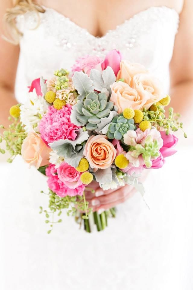 We loved creating the florals for Alisa's recent wedding. Beautiful photography by Adriana at Calli B Photography. #florals #flowers #florist #succulent #Lillipollen #wedding