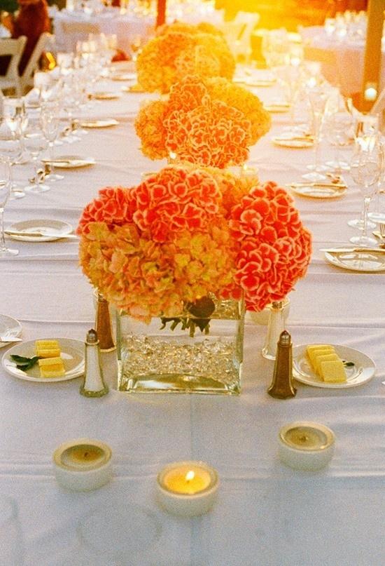 Oranje bruiloft decoraties voor een thema bruiloft in oranje