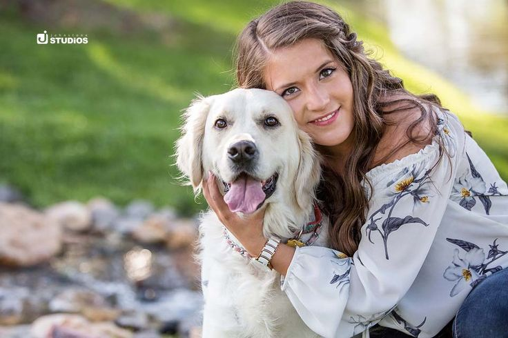 What's better than senior photos? Senior photos with your pup! Don't forget to include your furry BFF in your next session! Reno Senior Photography by Johnstone Studios