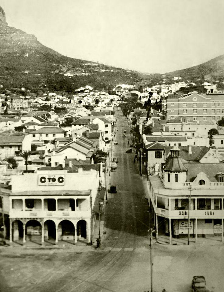 Kloof Street,Cape Town, 1942. | Photo: Fay Lea.