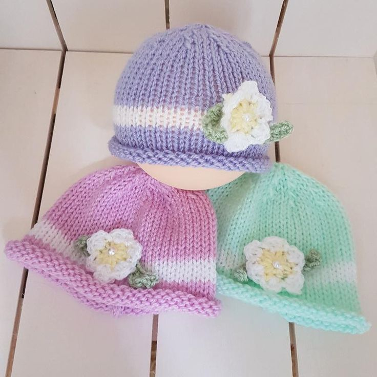 Spring and Summer Baby Girl Beanie with crochet flower, available in 3 pastel colours!