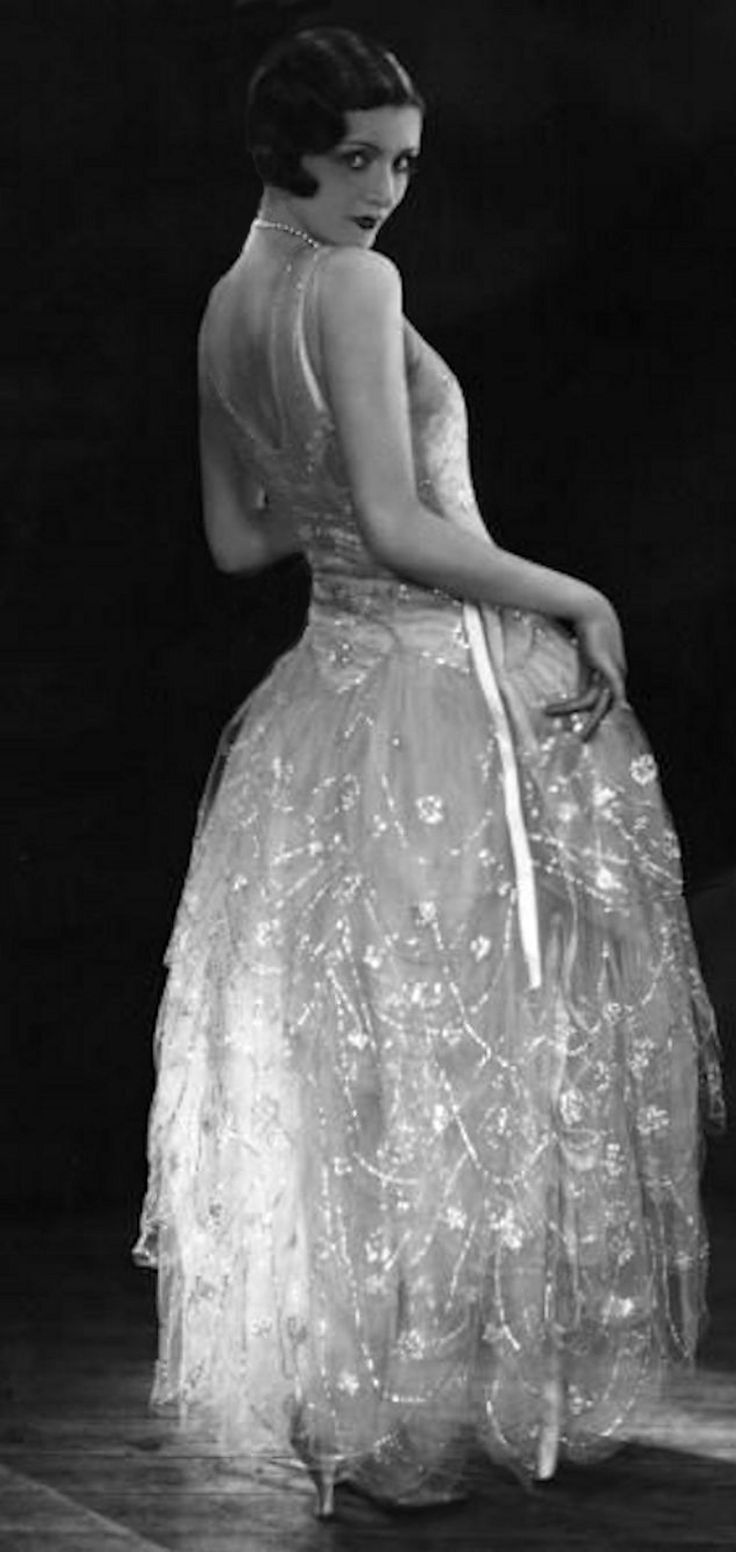 Norman Hartnell, 1929, Gown In Gauze, Photo by Sasha, Getty Images