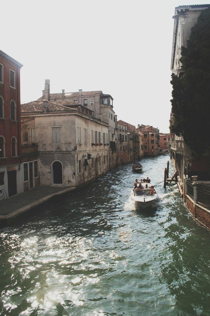 Back street.......Venice style !