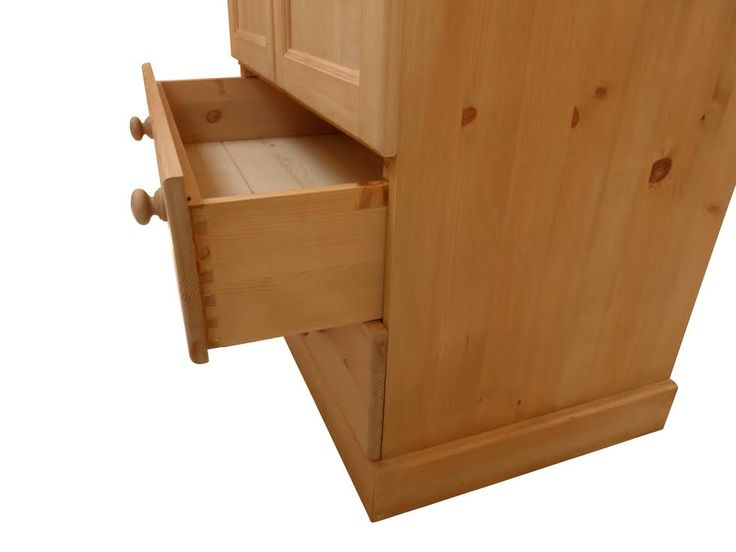 Side view of one of our drawers, showing our beautiful dovetailed joints.