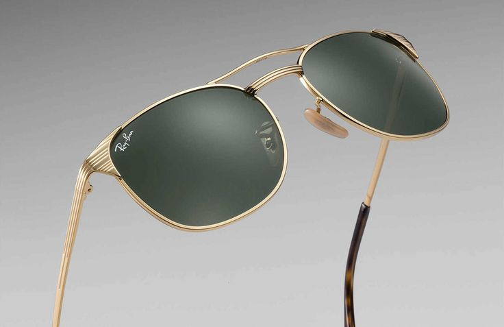 Ray-Ban brings back the Signet.