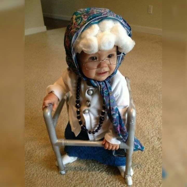 Adorable grandma costume!