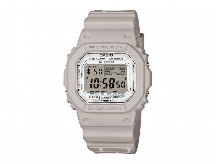 Le designer-illustrateur-graphiste Kevin Lyons a imaginé une montre G-Shock arty couleur bitume pour Casio.