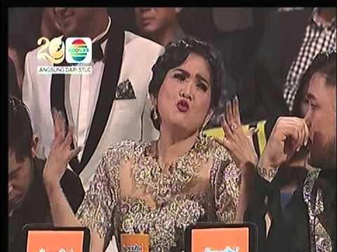 Mulan Jamela feat Sarah Mamamia 'Ratu Sejagad' @ Mamamia Indonesia 2014