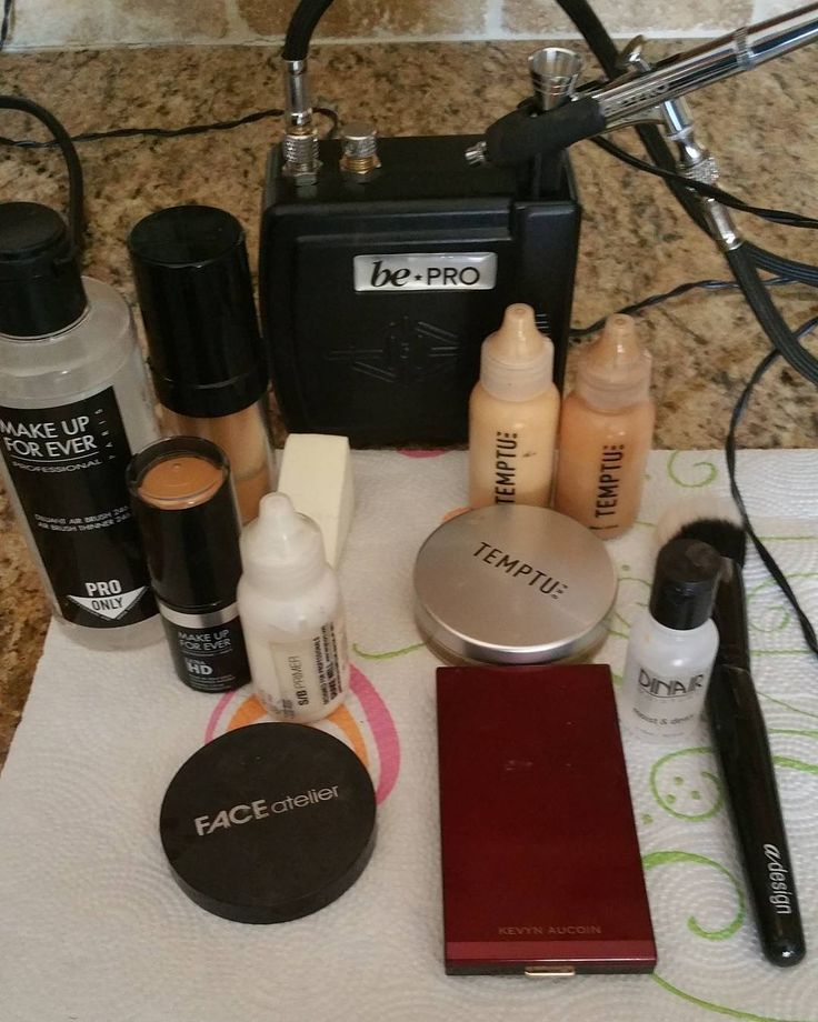 Some of my must haves for airbrushing. #bridaltrial #airbrush #temptu #temptupro #bepro @beprocosmetics I have 3 different airbrush machines and this is the most portable and pro friendly @temptu foundations are amazing and I have been using it for 6 years I always go back to it.  #makeupforeverofficial @makeupforeverofficial #hdultra for concealing  @faceatelier #ultrabronzer best bronzer ever! @kevynaucoin #candlelight for that glow!  @dinairofficial #dinair  #moistanddewy #makeup #beauty…