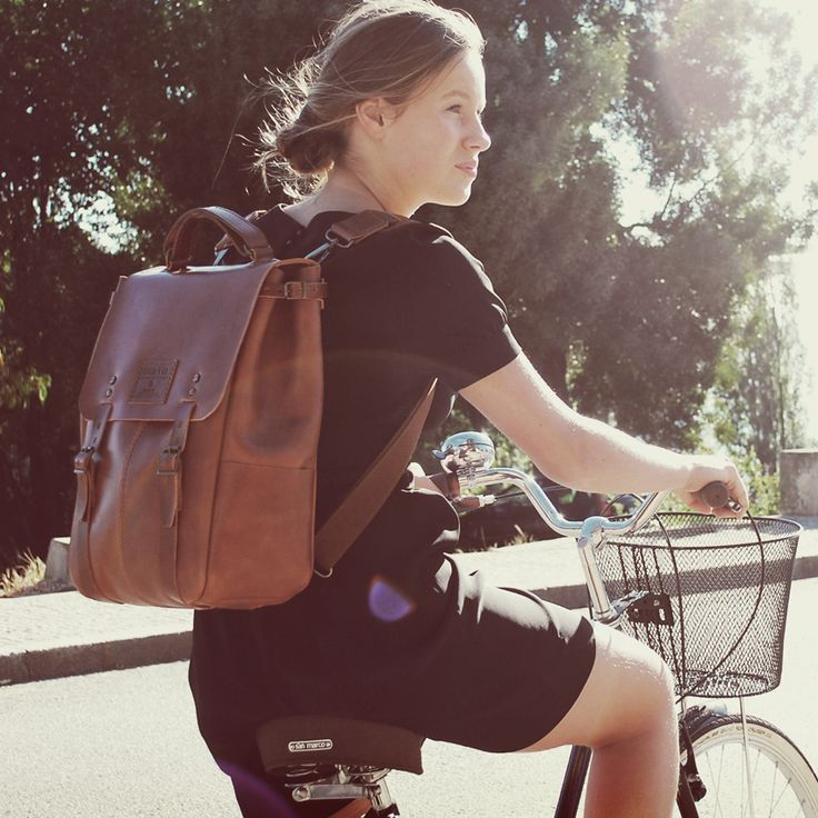 CANDEEIROS BACKPACK - size 1 - Brown Arizona // 100% Portuguese vegetable tanned leather.