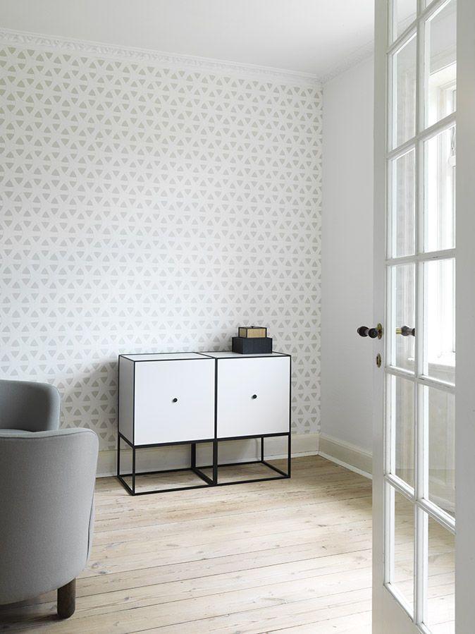 Hochbeinig-Sideboard / Skandinavisches Design / aus Eiche / aus Metall - FRAME SS16 - by Lassen