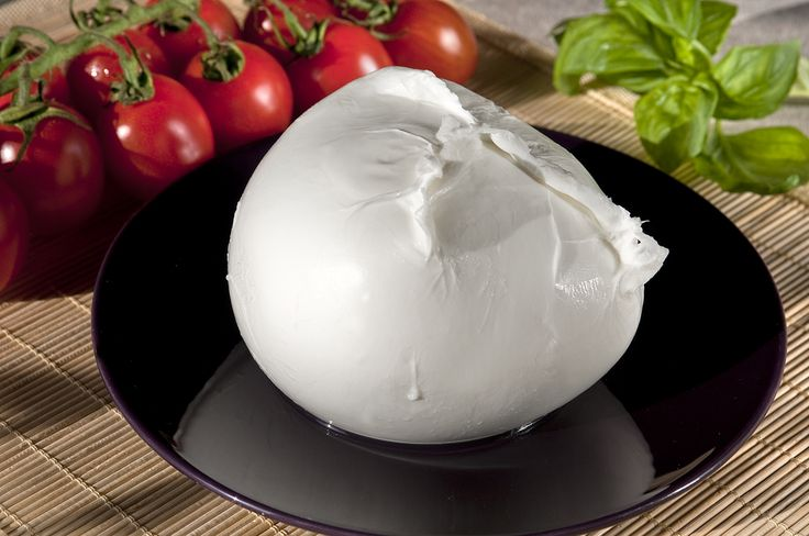 #Mozzarella di #Latte di #Bufala mozzata tradizionalmente a mano