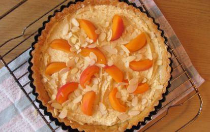 Crostata all'albicocca vegan: la ricetta - Prepariamo la ricetta della crostata all'albicocca vegan, un dolce ideale senza ingredienti di origine animale.