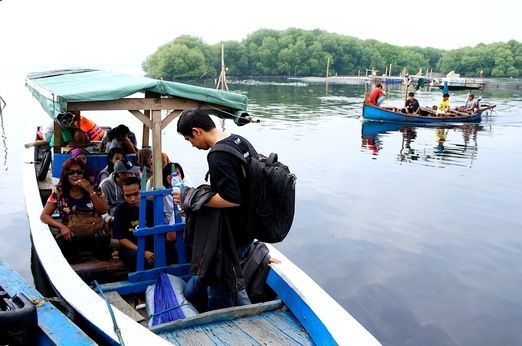 Traditional boat: You can access Kelor, Onrust and Cipir islands from three ports in Jakarta: Muara Kamal and Muara Angk...