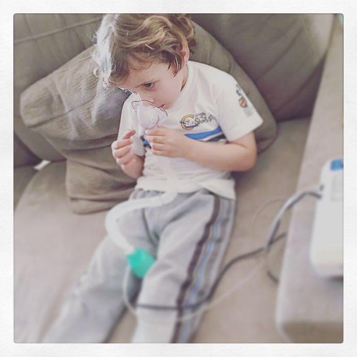 #bomdia para quem tem um filhote tão moço que já faz #nebulização sozinho  #alergia #respiratória #agentevêporaqui  #somelhora #bomdiasomelhora
