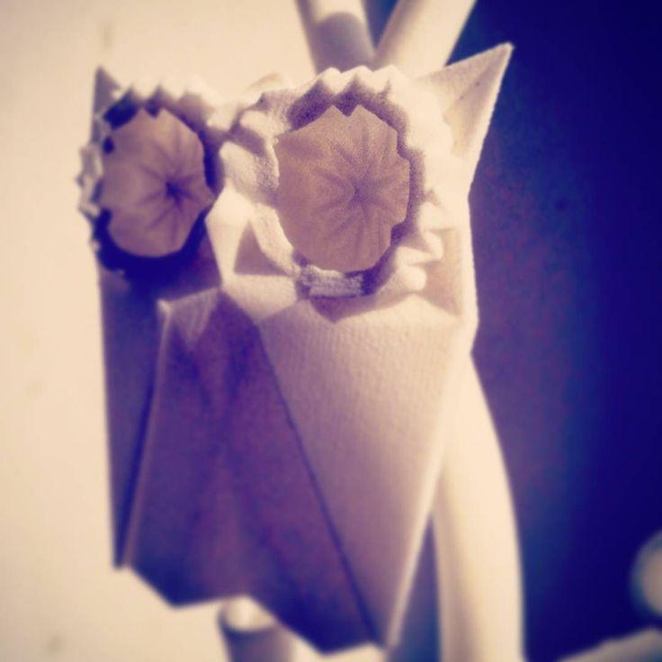 Tochu-de Bijoux origami en impression 3d #impression3d #3dprintedjewelry #3d #3dprinting #jewelrydesign #jewelry #bijouxfantaisies #bijoux #origami #maker #pendentif #handmade #slowfashion #mode #accessoiresmode #necklace #fashion # earrings #hibou #owl