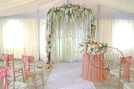свадебная церемония свадьба декор выездная регистрация брака оформление банкетного зала украшение банкета арка арок глициния вистерия живые цветы гирлянда